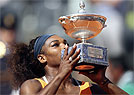 Serena Williams arrasa Victoria Azarenka e se sagra campe em Roma (REUTERS/Alessandro Bianchi )